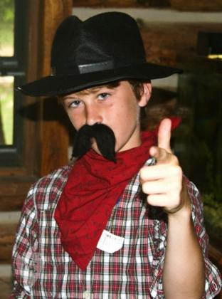 Western Day Costumer